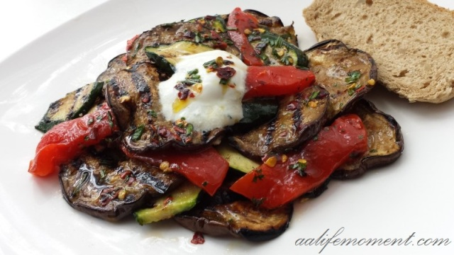 Grilled vegetables with dressing