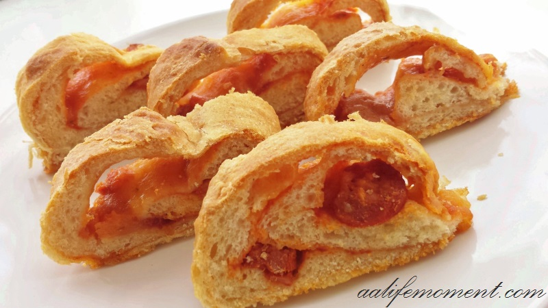 Pizza Rolls - Salami and Mozzarella