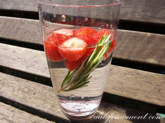 Detox water Strawberries and rosemary