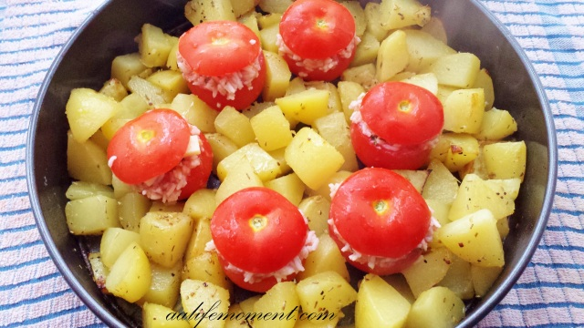 Stuffed Tomatoes with roasted potatoes