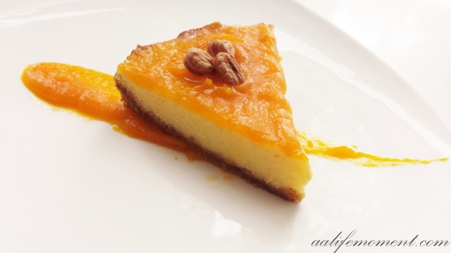 Cheesecake with pumpkin cream topping