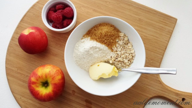 Apple, peach and cranberries crumble ingredients
