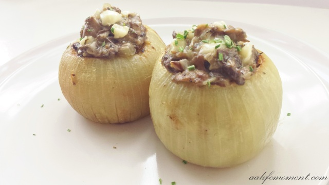 Stuffed Onions Mushroom and cheese