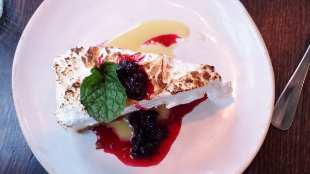 Jamie's Italian - meringue cheesecake